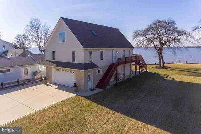 95 Enlow Pl Pennsville Three BR, Water front living with serene