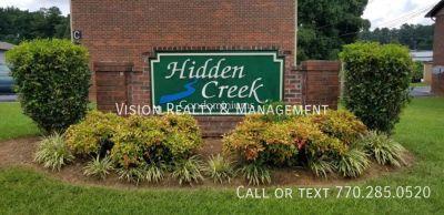 Hidden Creek Condominiums 2 Bed/1.5 Bath Apt.