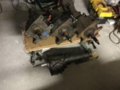 4 Corvette 3speed transmissions