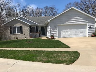 House for Sale in Charleston, Illinois, Ref# 201399664