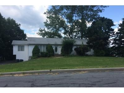 3 Bed 3 Bath Preforeclosure Property in Chester, NY 10918 - Jeffrey Dr
