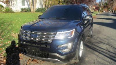 2017 Ford Explorer XLT 4WD (Blue Jeans Metallic)