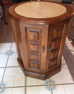 ANTIQUE ROUND/OCTAGON END TABLE