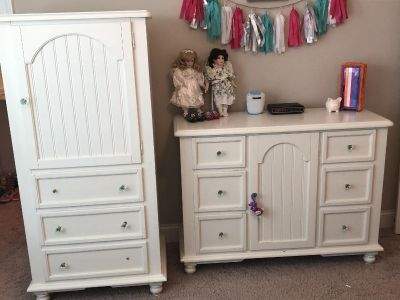 Beautiful off-white kids dresser and chest of drawers.