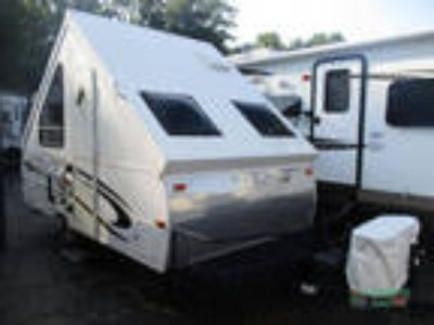 2013 Forest River Rockwood Hard Side Series A122BH 18ft