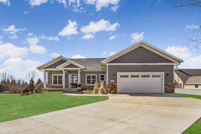 906 Orchard Heights Court Faribault Four BR, ALMOST-NEW