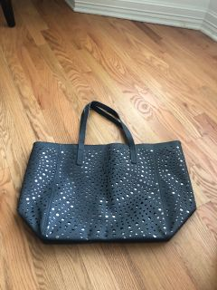 New large tote