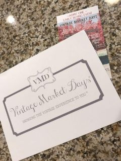 1 Early Shopper ticket to the Amazing Vintage Market Days.