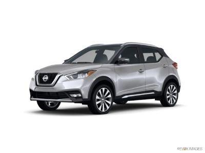 2018 Nissan Kicks SV (brilliant silver)