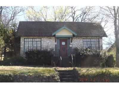 2 Bed 1 Bath Preforeclosure Property in Hot Springs National Park, AR 71901 - Edgewood St