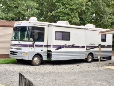 1998 Winnebago Chieftain WFL34WY