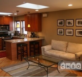 $4000 3 apartment in North Side