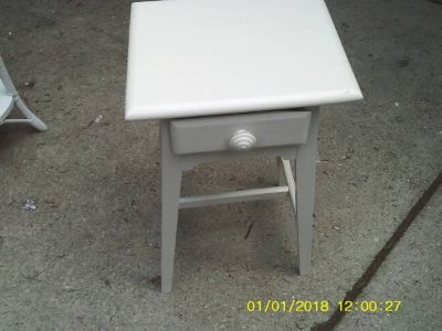 TABLE LOW PROFILE ALL WOOD WITH DRAWER MINT