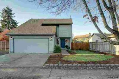 4402 Evergreen St SE Albany Three BR, Updated contemporary home