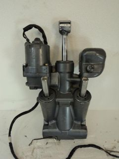 Sell YAMAHA V4 2-STROKE 115 & 130 hp OUTBOARD MOTOR TILT & TRIM UNIT ASSEMBLY 115hp motorcycle in Gulfport, Mississippi, US, for US $995.00
