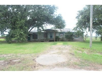 3 Bed 2 Bath Foreclosure Property in Kaplan, LA 70548 - Whitney Rd
