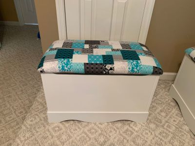 Storage chest / toy box