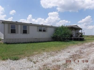 4 Bed 2 Bath Foreclosure Property in Minco, OK 73059 - State Highway 37