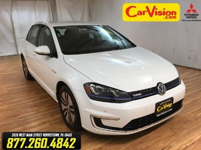 2015 Volkswagen e-Golf (white)