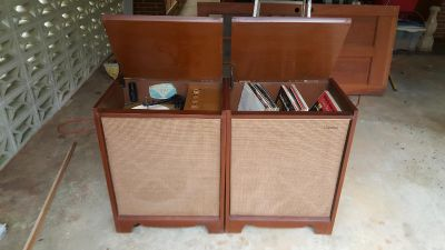 Vintage Magnavox Stereo and receiver