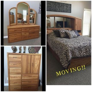 MOVING!! BEAUTIFUL 3 PIECE QUEEN BEDROOM SET! EC MUST SEE! SOLID OAK, LOTS OF DRAWERS!! MORE PICS ATTACHED $1500 OBO