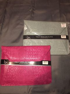 NWT table clutches