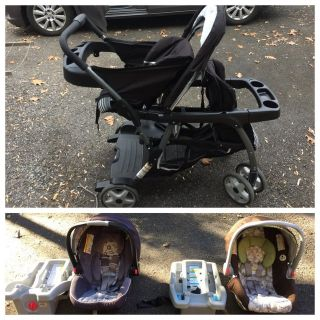 GRACO double stroller with compatible infant car seats and base