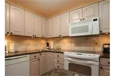 2 bedrooms Condo - 2BD/2BA fully furnished. Will Consider!