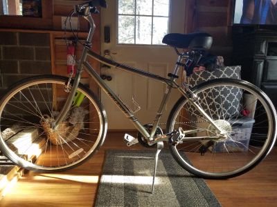 Raleigh 2.5 2015 detour bicycle