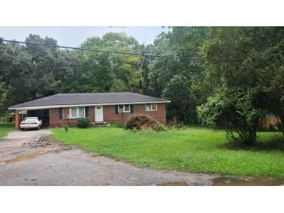 3 Bed 1.5 Bath Preforeclosure Property in Mableton, GA 30126 - Queens Ferry Dr