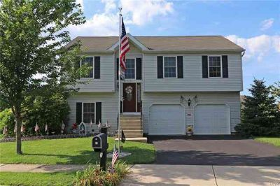 1943 Beaujolais Place EASTON Three BR, Well maintained energy