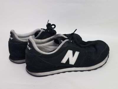 Men's Sz 12 Black and White New Balance Shoes