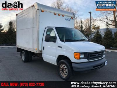 "2006 Ford Econoline Commercial Cutaway E-350 Super Duty 176"" WB DRW (Oxford White)"