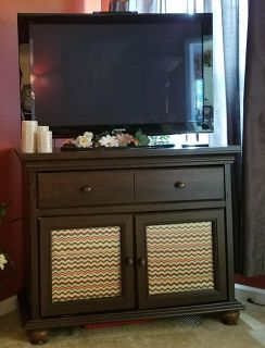Entertainment center / TV stand