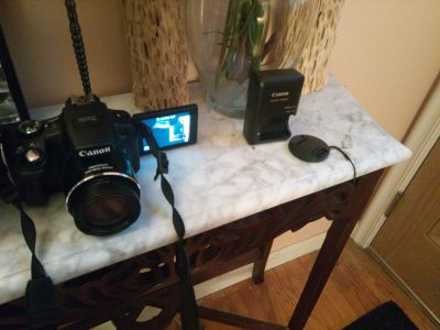 Canon SX50 HS with lens and accessories