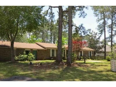 3 Bed 2 Bath Foreclosure Property in Gulf Breeze, FL 32563 - E Bay Blvd