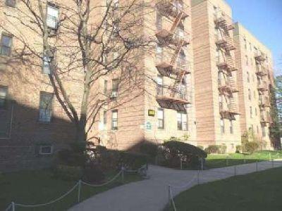 OPEN HOUSE 2555 Batchelder St. #3H