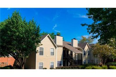 1 bedroom Apartment - has all that you deserve with the many special features. Pet OK!