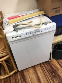 Kenmore dishwasher - Marcus Pointe Thrift Store