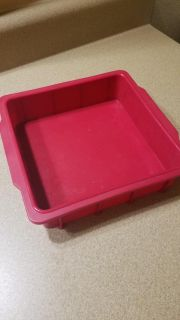 COOL SILICONE BROWNIE , (OR ANYTHING) OVENWARE (3 PICTURES)