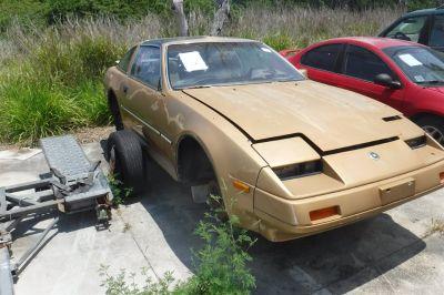 1986 Nissan 300ZX 2+2 (Gold)