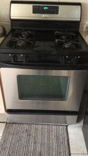 Oven Range & Dishwasher