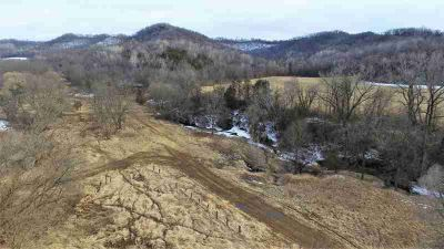W5723 State Road 33 Shelby, rare opportunity/large 277 +/-