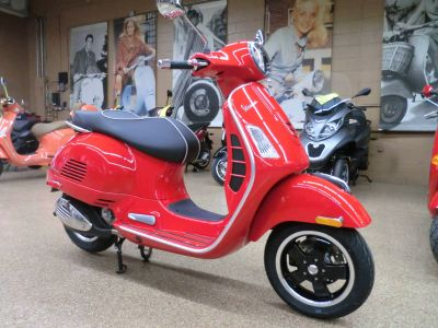2018 Vespa GTS Super 300 250 - 500cc Scooters Downers Grove, IL