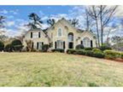 710 Heathland Dr, Gorgeous Roswell GA Home
