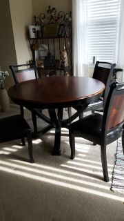 *Price reduced!! $150 OBO - Dining table and 4 chairs