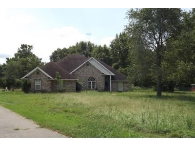 3 Bed 2.5 Bath Preforeclosure Property in Millington, TN 38053 - Pleasant Ridge Rd
