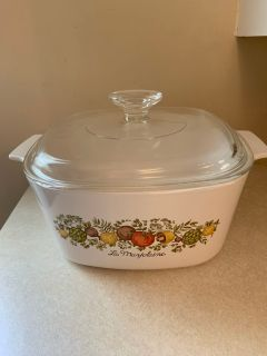 Corning Ware Casserole Dish with lid