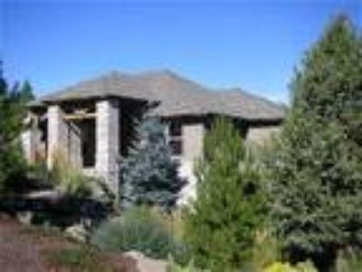 EXECUTIVE LUXURY VACATION RENTAL IN CENTRAL OREGON - House