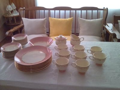 Vintage Cunningham & Pickett (Sunrise Pattern China) with 22kt. Gold